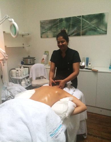 Santana, Beauty and massage therapist
